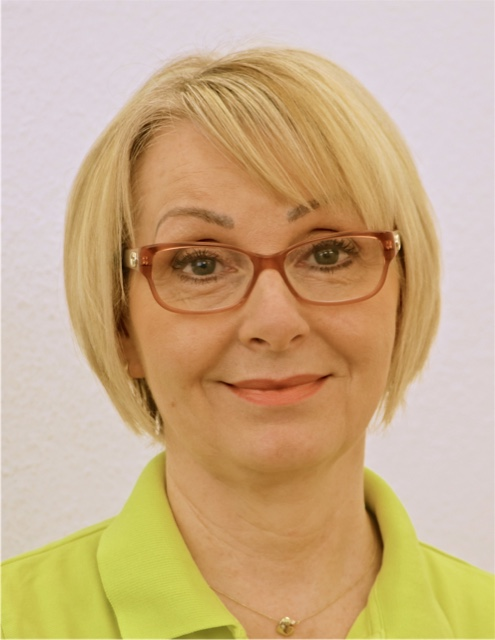 <p><span>Frau Mayschak</span><br/><ul><li>Management-Verwaltung</li></ul></p>